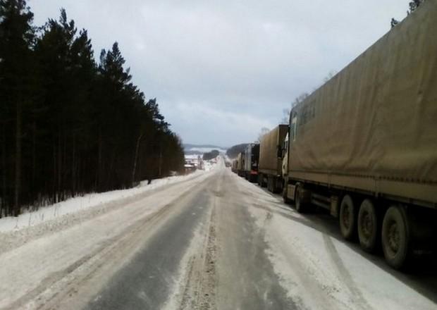 Грузовикам запретили заезд  вКемерово