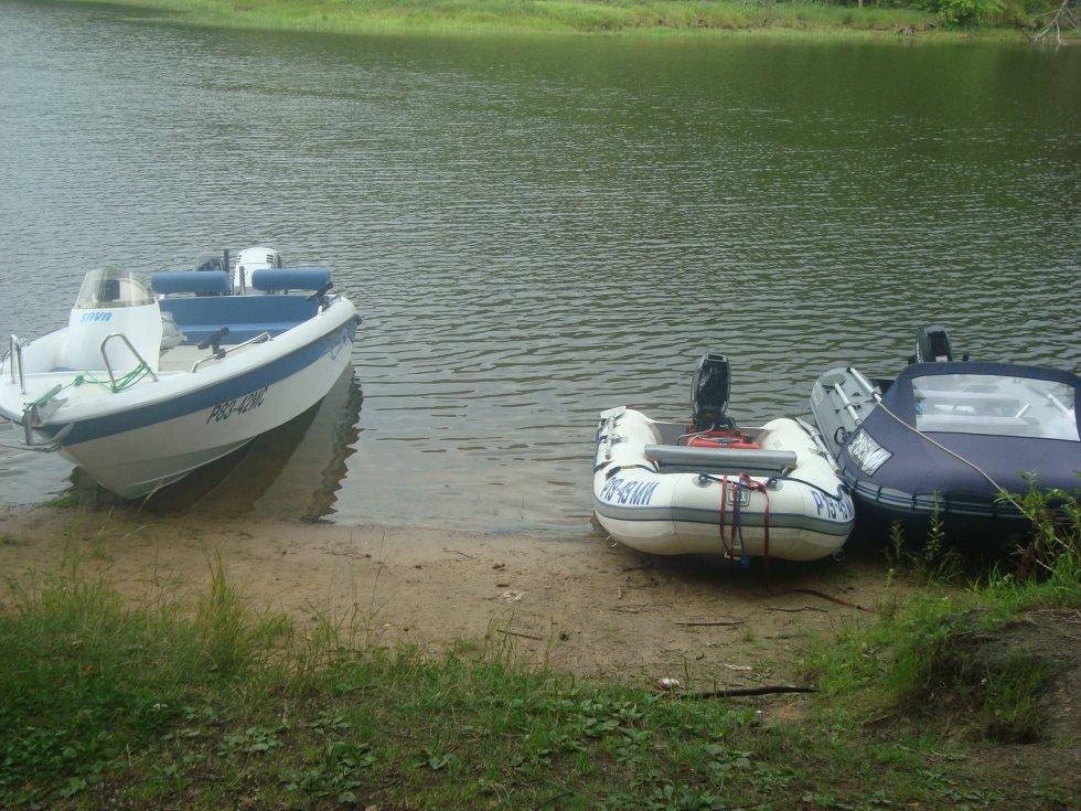 Лодка сдулась на воде